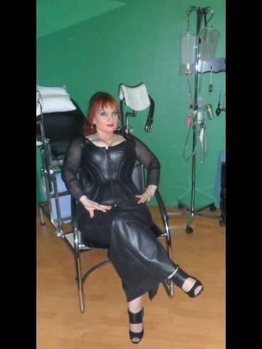 Studio Lady Dominique 5
