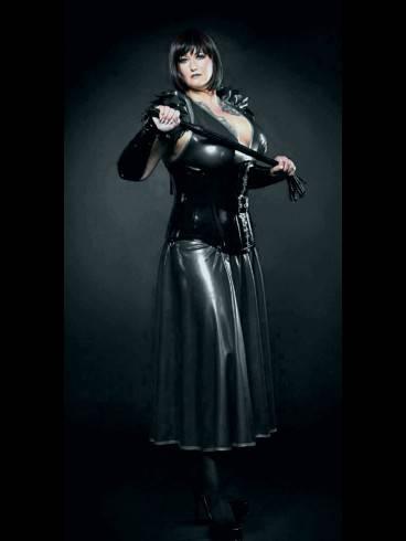 Lady Samira im Atelier Blanc Noir 4