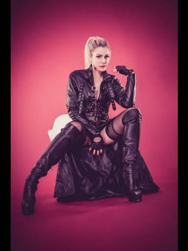Rubber-Lady Nastasia-Der FEMDOM 4