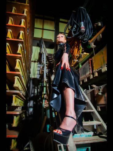 Rubber-Lady Nastasia-Der FEMDOM 10